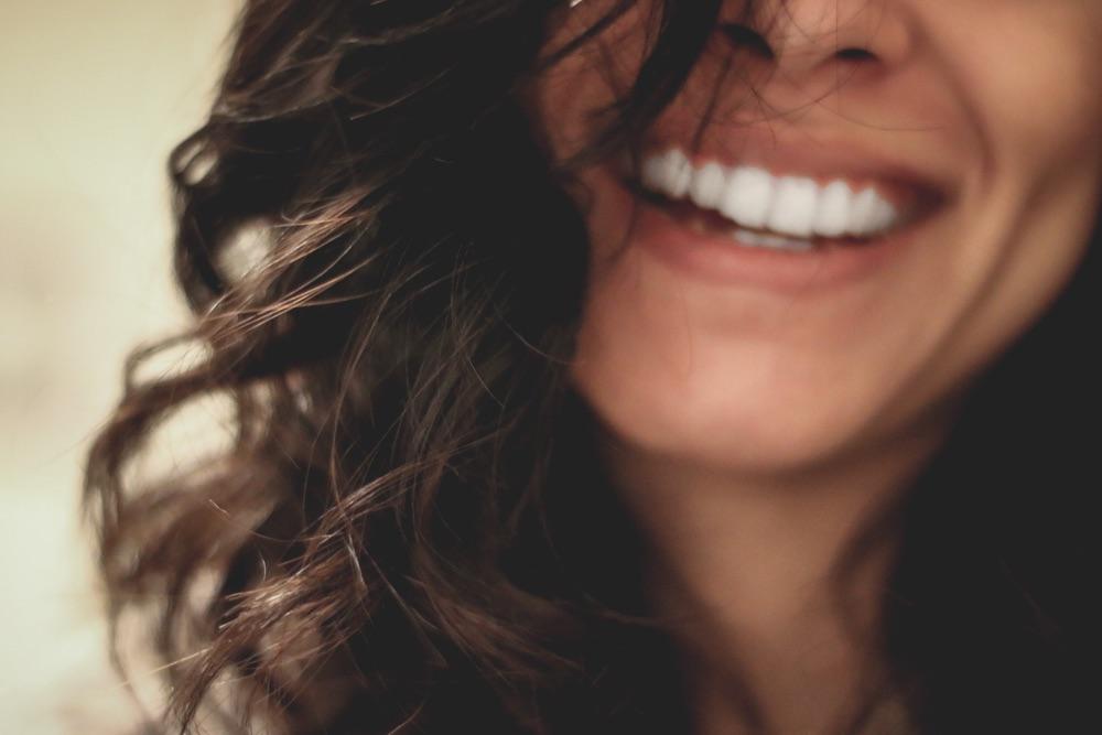 Sind die Hormone Schuld an Akne? Tipps von der Hautärztin